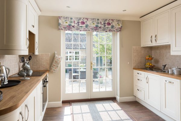 Forge Cottage, Coxwold. Luxury open plan holiday cottage with modern kitchen