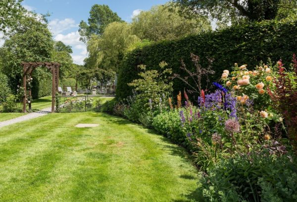Garden view at Coxwold Cottages